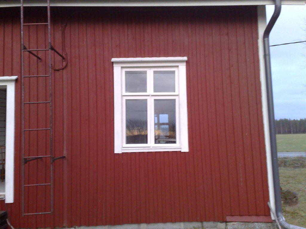 ikkuna-paikoillaan